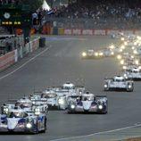 Salida de las 24h de Le Mans por Fernando Alonso