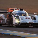 Atardecer del Audi #1 de Marc Gené en Le Mans