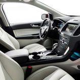 Ford Edge 2014 - Interior Titanium desde el lado del acompañante