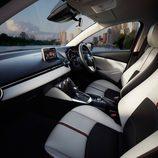 Mazda 2 2015 - Espacioso