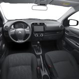 Mitsubishi Space Star 2015 - Interior
