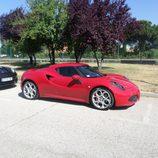 Alfa 4c - delantera estacionado