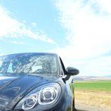 Prueba Porsche Macan Turbo - Detalle pilotos delanteros