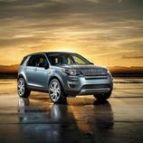Land Rover Discovery Sport - delantera
