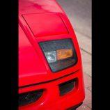 Ferrari F40 ex-Nigel Mansell - faro cerrado