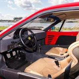 Ferrari F40 ex-Nigel Mansell - habitáculo