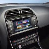 Presentación Jaguar XE - pantalla