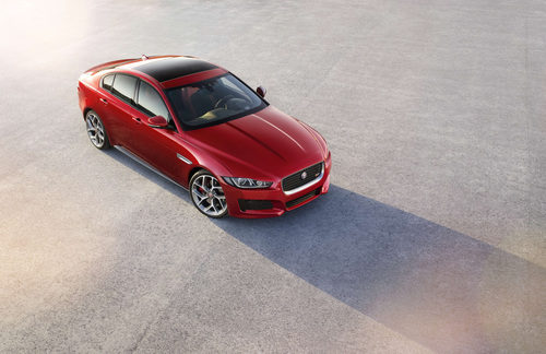 Presentación Jaguar XE -tres cuartos delantero