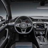 VW Passat GTE - puesto de conducción