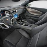 Chevrolet Camaro Spring Special Edition - interior
