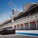 McLaren P1 GTR - circuito boxes