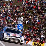 Los aficionados animan a Latvala en el Rally RACC