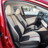 Nuevo Mazda 2 -  Detalle interior delantero