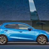 Nuevo Mazda 2 - Lateral azul