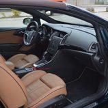 Prueba: Opel Cabrio - Accedemos a su interior