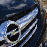 Prueba: Opel Cabrio - Detalle calandra con sol