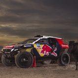 El Peugeot 2008 DKR, un toro y un rejoneador