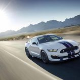 Ford Shelby Mustang GT 350 - road