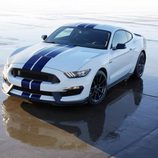 Ford Shelby Mustang GT 350 - reflejo