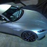 Aston Martin DB10 - zaga