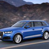 Audi Q7 2015 - side