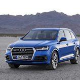 Audi Q7 2015 - desierto