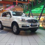 SsangYong Rexton 2.0XDI Premium - tres cuartos delantero