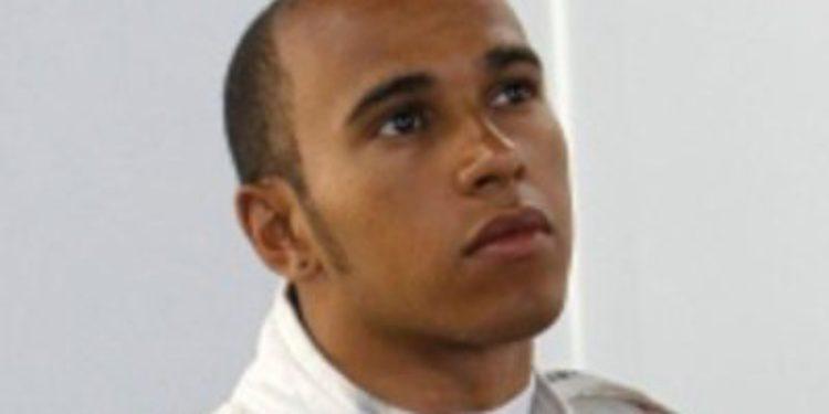Hamilton critica los nuevos neumáticos Pirelli