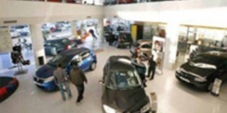 Las familias españolas destinan un 35% de sus gastos anuales a la compra de un coche