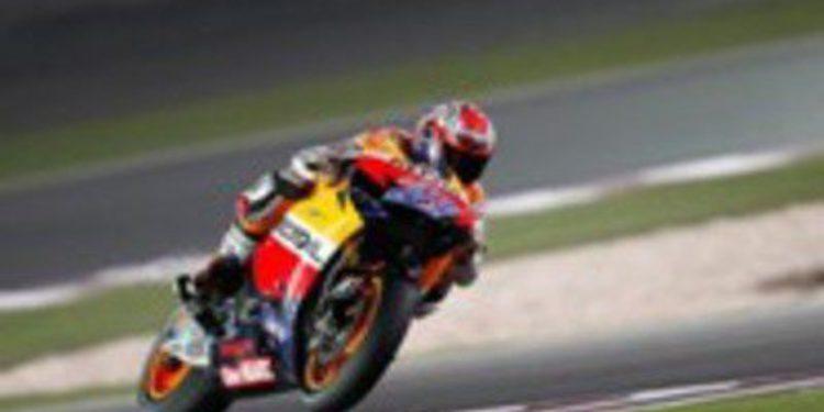 Stoner consigue la primera pole del año en el Circuito de Qatar