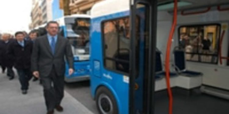 """Gallardón anuncia que el diésel """"pasará a ser historia"""" en los autobuses de Madrid"""