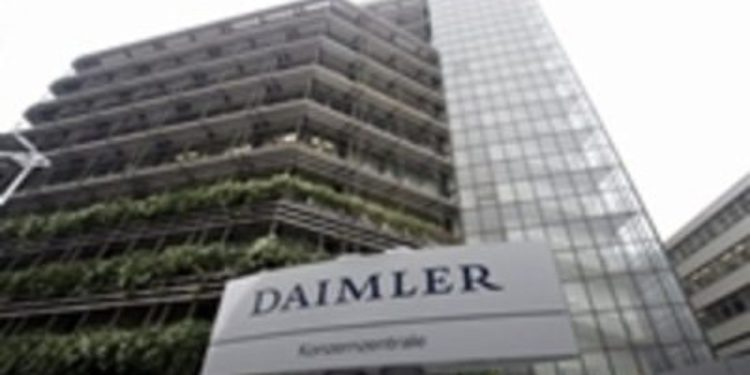 Daimler y Aabar acuerdan producir camiones y autobuses en Argelia