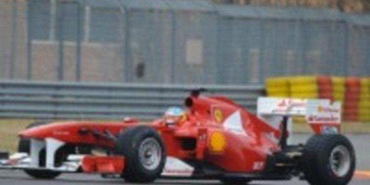 """Alonso: """"Sería raro que los Red Bull no fuesen los más fuertes en Bahrein."""""""