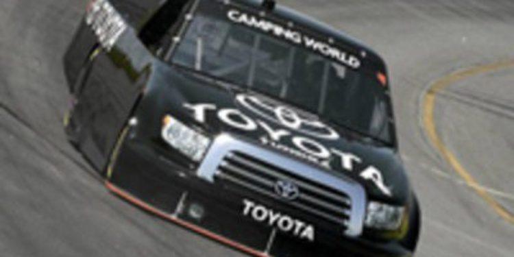 Raikkonen ya ha realizado la primera prueba con el Toyota Tundra de la NASCAR