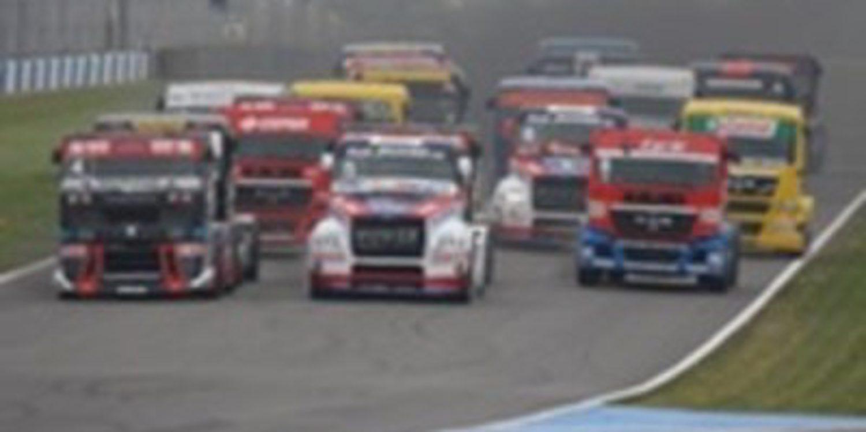 Antonio Albacete abandona en Donington y ahora es tercero en la general
