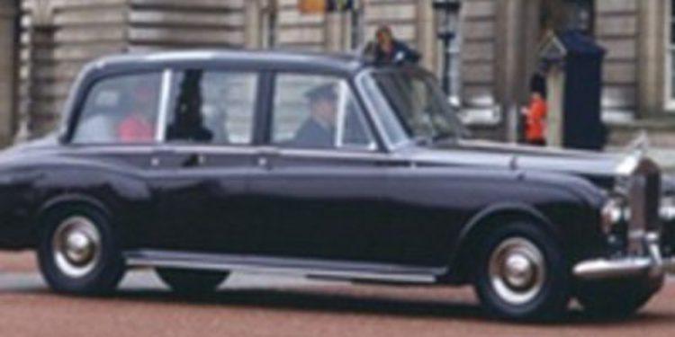 Un Rolls-Royce Phantom VI para ella y un Bentley State Limousine para él