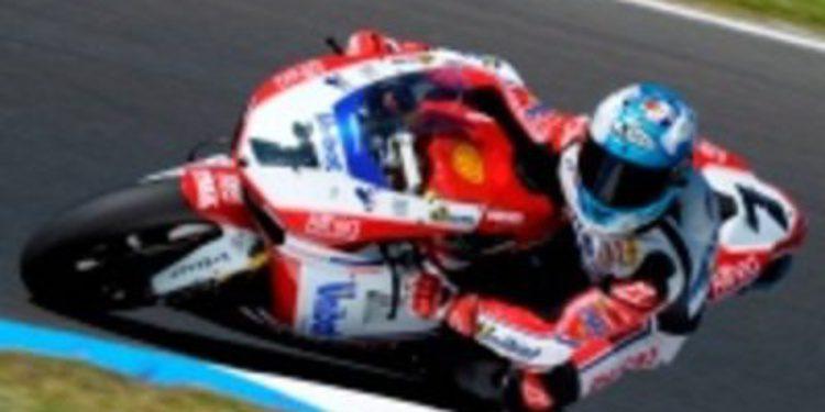 Doblete de Carlos Checa en la primera carrera de Superbikes