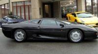 Se vende una joya de Flavio Briatore: su Jaguar XJ220