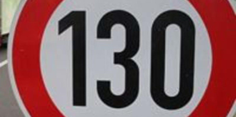 Holanda aumenta el límite de velocidad en autopistas y Reino Unido lo estudia