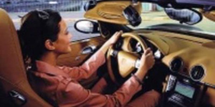 La UE obligará a que hombres y mujeres paguen igual en sus seguros de coche