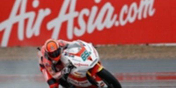 Bradl gana una accidentada carrera en Silverstone