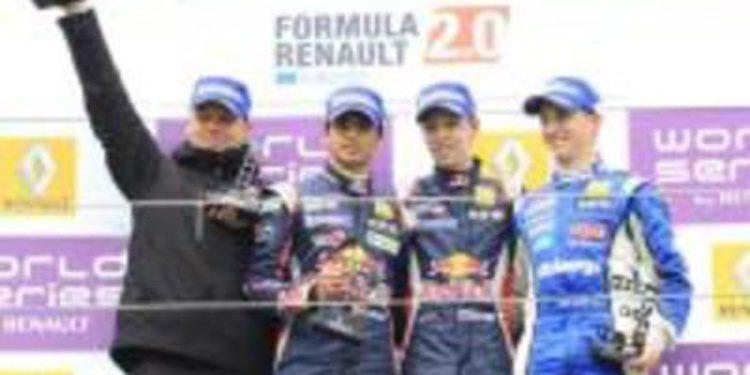 Sainz Jr. logra otro segundo puesto que le mantiene líder