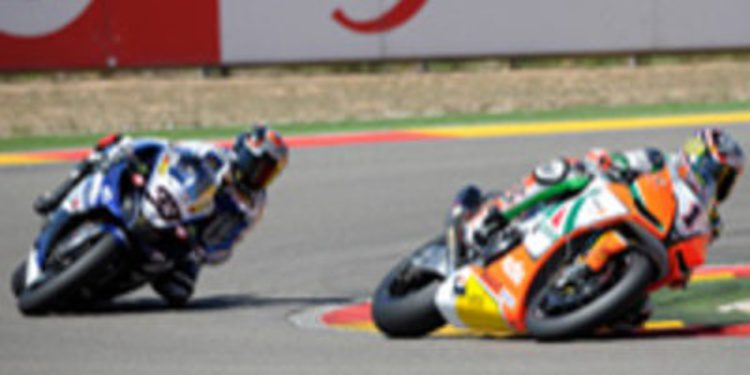 Biaggi y Melandri se llevan las dos mangas en Motorland Aragón