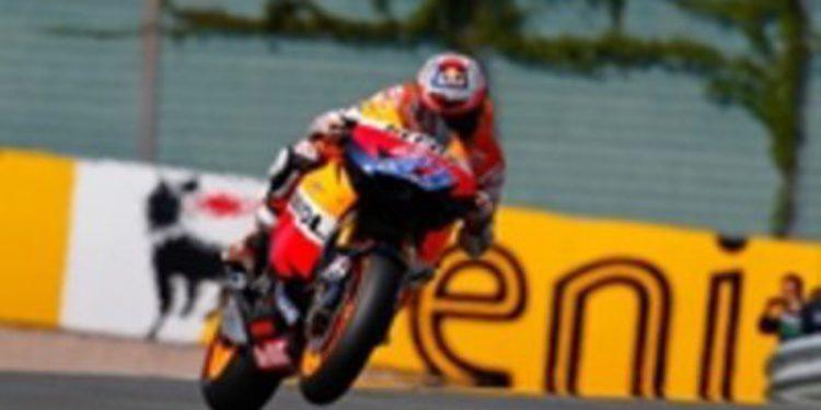 Stoner se repone de su caída en Sachsenring y consigue la pole