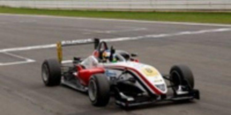 Merhi y Juncadella arrasan en Nürburgring, la F3 habla español