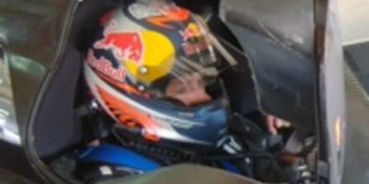 Kimi Räikkönen prueba el Peugeot 908 de LeMans en el circuito de Aragón