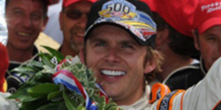 Dan Wheldon muere tras un grave accidente en la IndyCar