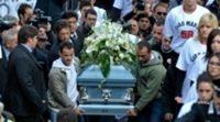 Funeral de Marco Simoncelli en Coriano, su familia y amigos se despiden de él