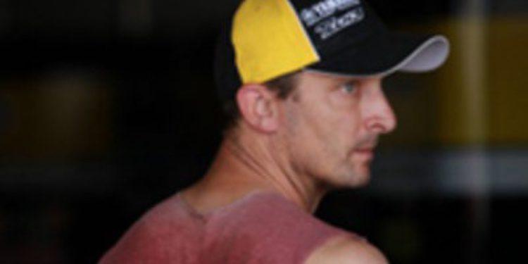 Colin Edwards no correrá en el GP de Valencia tras el accidente con Simoncelli