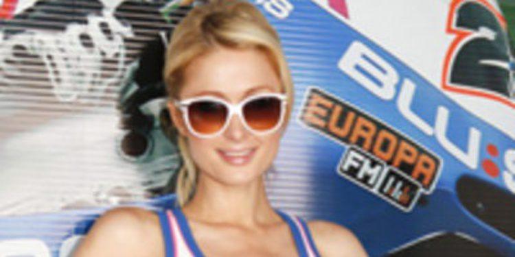 Paris Hilton aterriza en españa para acudir al GP de Cheste